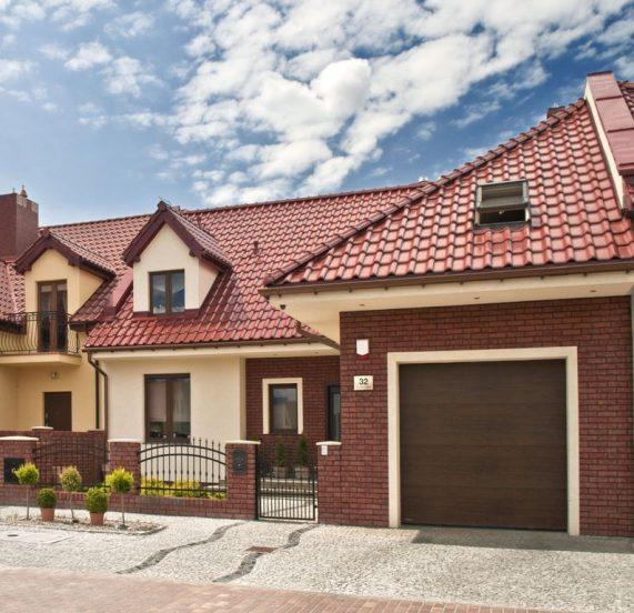 Dom so stresnou krytinou Monza Gastanova