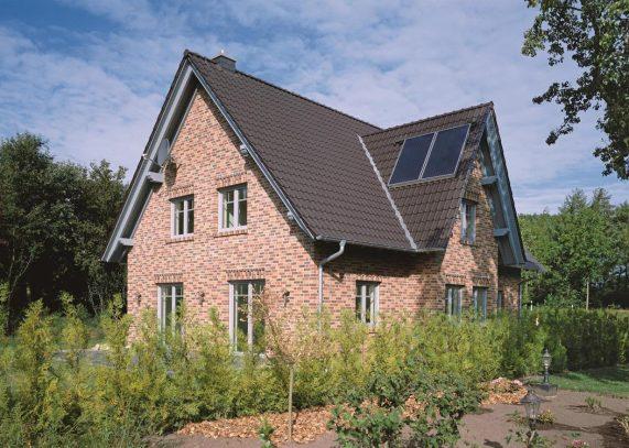 Dom so strechou Piemont Antracit