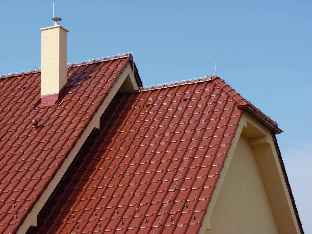 Keramická strešná krytina Röben monza plus gaštanová glazúra - realizácia strechy detail