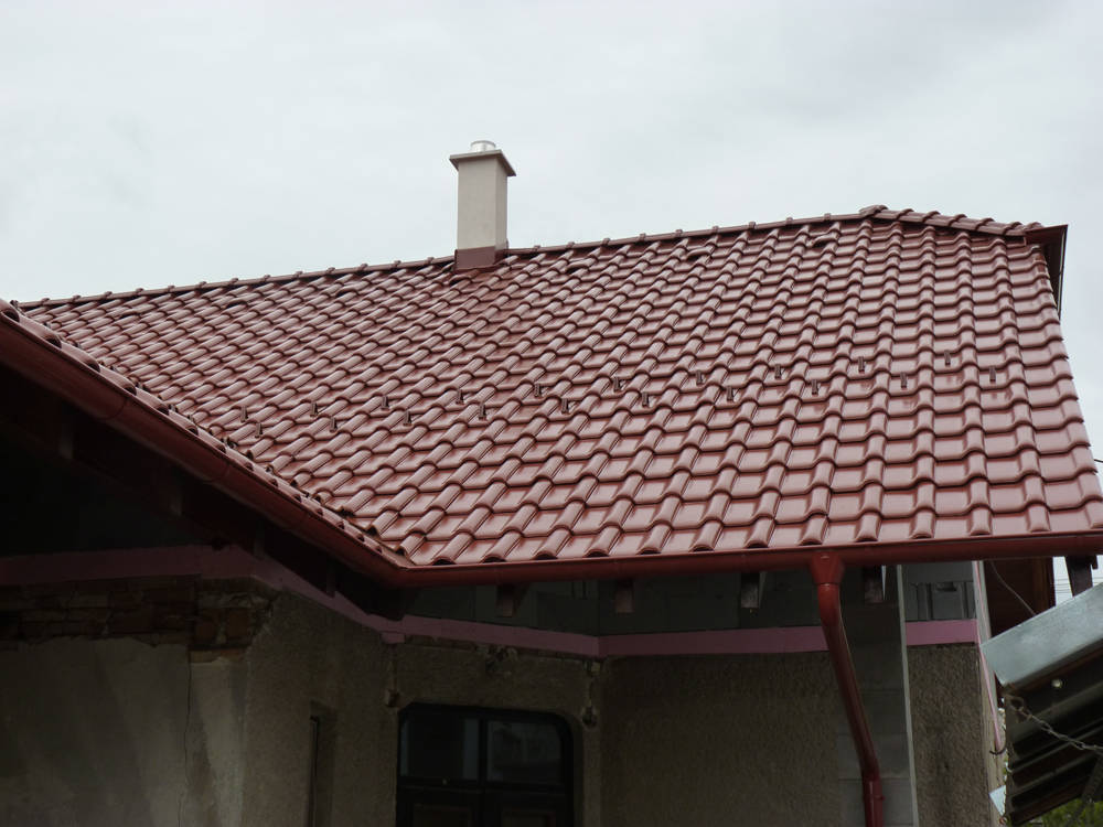 Keramická strešná krytina Röben monza plus gaštanová glazúra - realizácia strechy