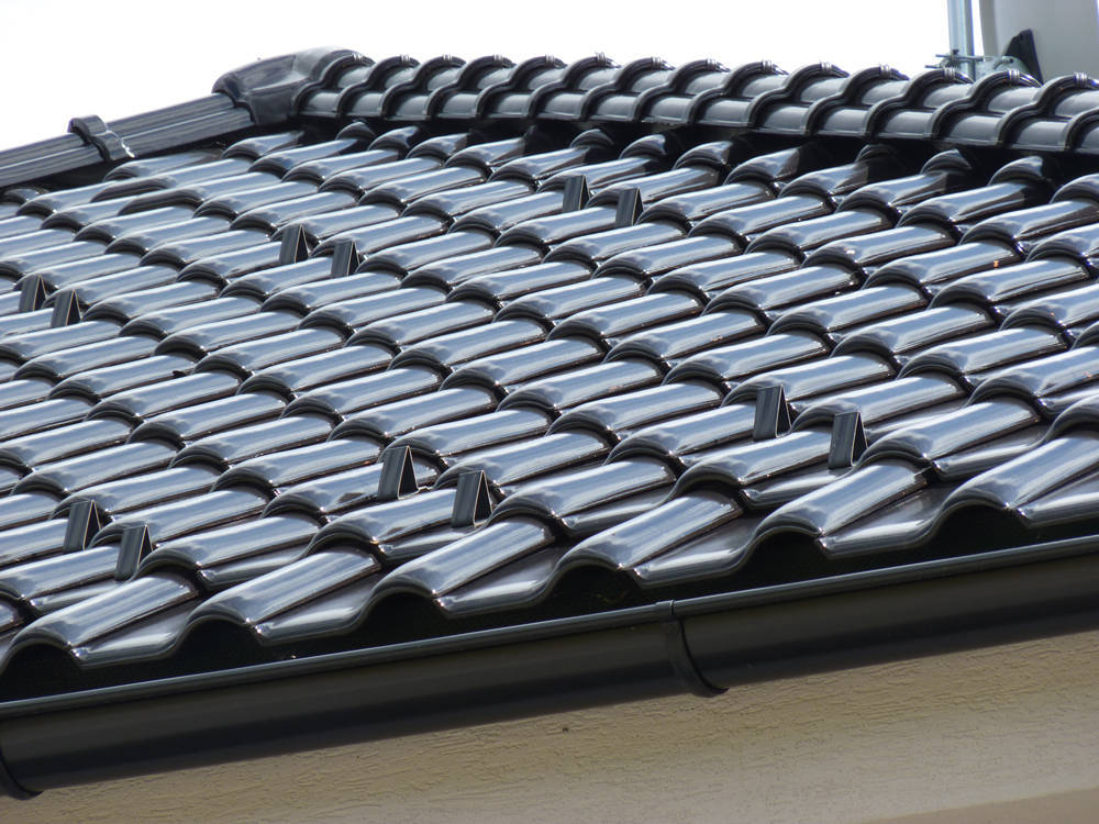 Keramická strešná krytina Röben monza plus tobago glazúra - realizácia strechy detail