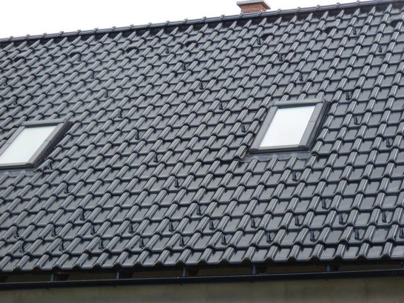 Keramická strešná krytina Röben monza plus tobago glazúra - realizácia strechy strešné okno