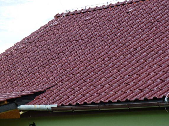 Keramická strešná krytina Röben monza plustrentino glazúra - realizácia strechy detail