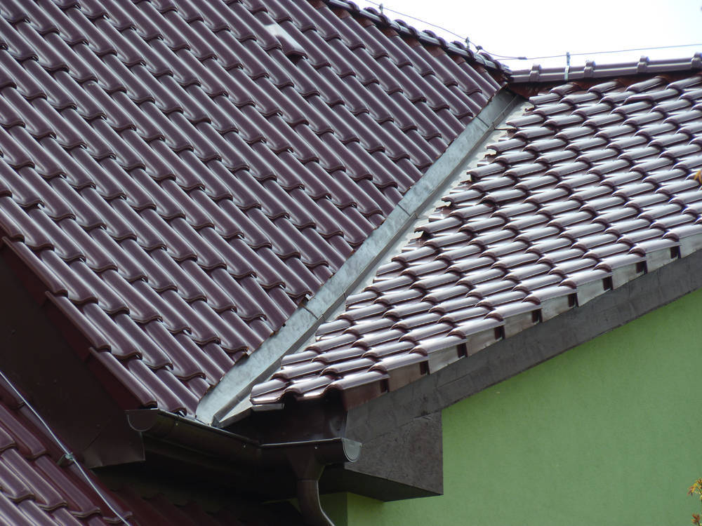 Keramická strešná krytina Röben piemont trentino glazúra - realizácia strechy úžlabie
