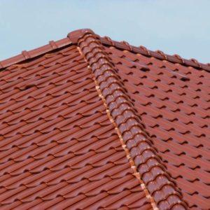 Realizácia strechy s keramickou strešnou krytinou Röben Piemont Gaštanová glazúra