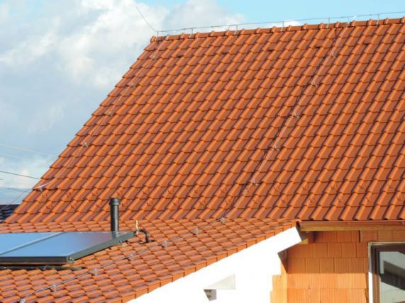 Realizácia strechy s keramickou škridlou Röben Piemont Medená engoba
