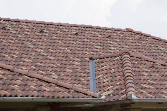 Betónová strešná krytina Terran Coppo ferrara - realizácia strechy detail